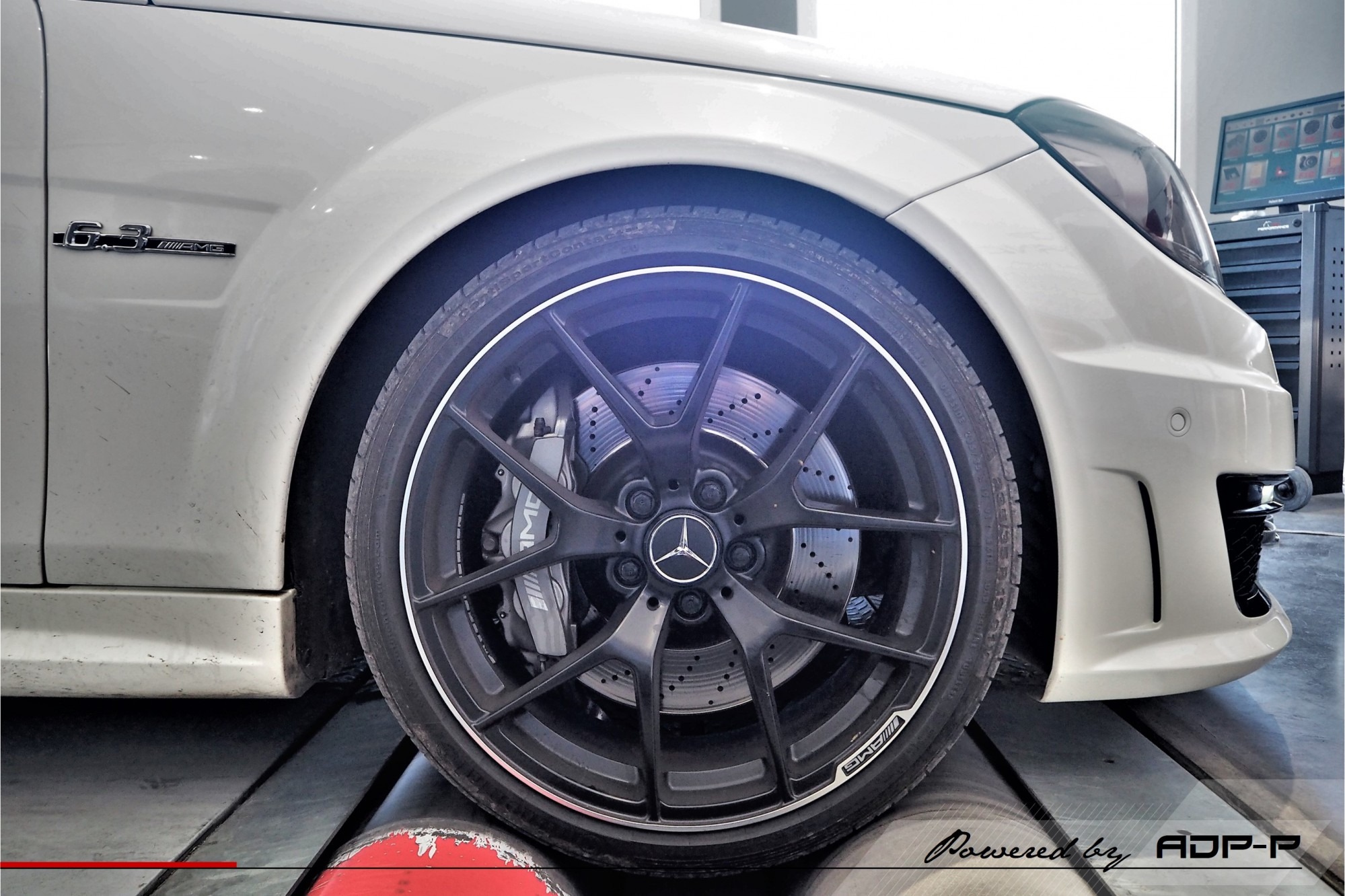 Reprogrammation moteur Nimes - Mercedes C63 AMG 457cv - ADP Performance